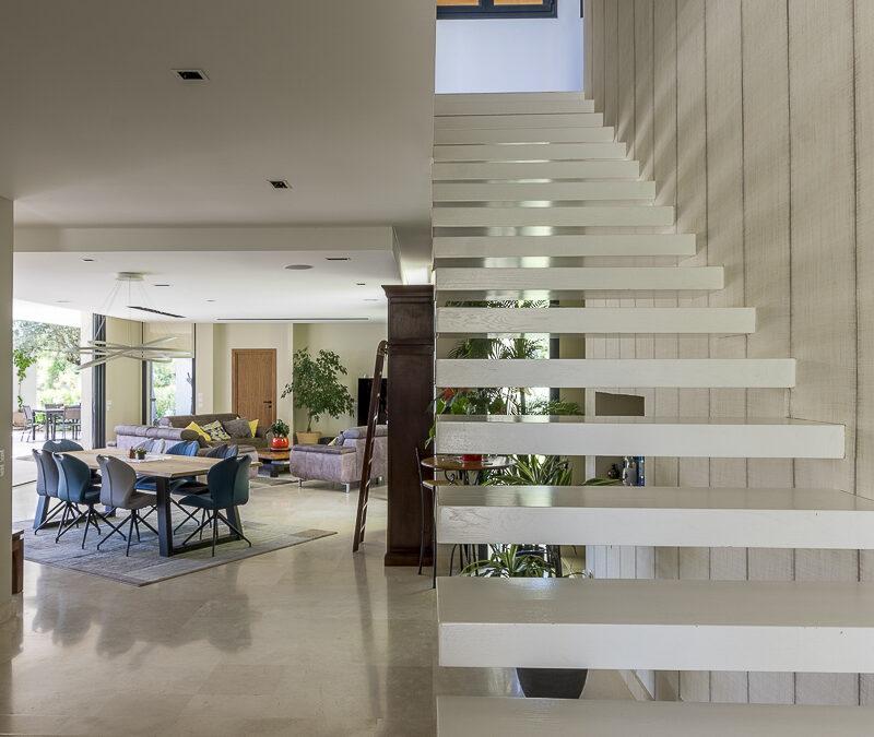 Escalier Design dans villa de luxe à Montpellier